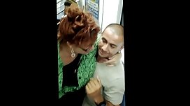 امرأة ناضجة الملاعين مع سكسي مصري قديم اليد و strapon