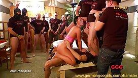 وقحة مص سكسي الماني قديم المتعرية السوداء في حفلة العازبة